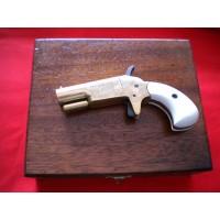 Vest Pocket Derringer con cofanetto in legno
